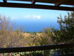 Blick auf das Meer vom Balkon des Ferienhauses Casa Linda